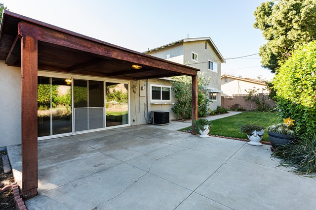 2292 Jonesboro Avenue, Simi Valley CA: http://media.crmls.org/mediaz/48416A68-58B3-4BEE-818C-1BBFE3DB609B.jpg