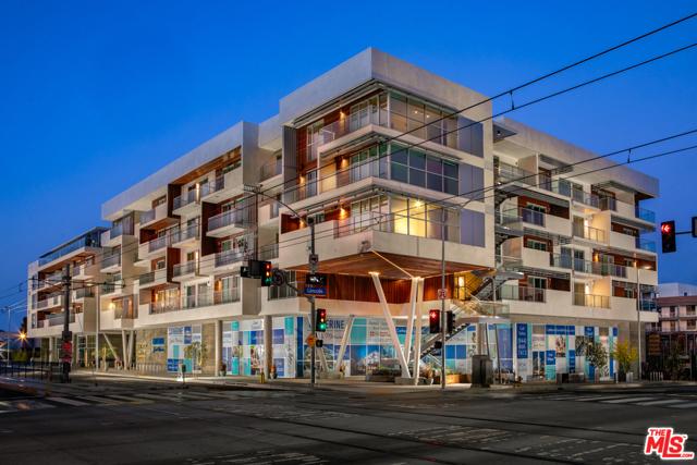 800 Colorado Avenue, Santa Monica CA: http://media.crmls.org/mediaz/48763309-55F0-431B-B335-E62CAFACAFAE.jpg