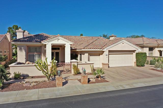 37647 Westridge Avenue, Palm Desert CA: http://media.crmls.org/mediaz/48CFAD33-D853-4DCF-BC79-C20087B4A738.jpg