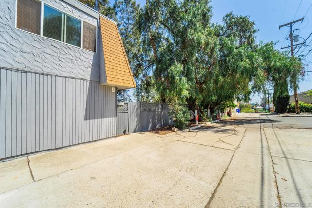 3450 52 Dwight, San Diego CA: http://media.crmls.org/mediaz/48D5F711-E383-41F2-9FA9-38CEF385BA2D.jpg