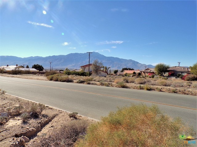 0 Lot 1 Mountain View Road, Desert Hot Springs CA: http://media.crmls.org/mediaz/48E58736-757A-476A-850B-E0431F49374B.jpg