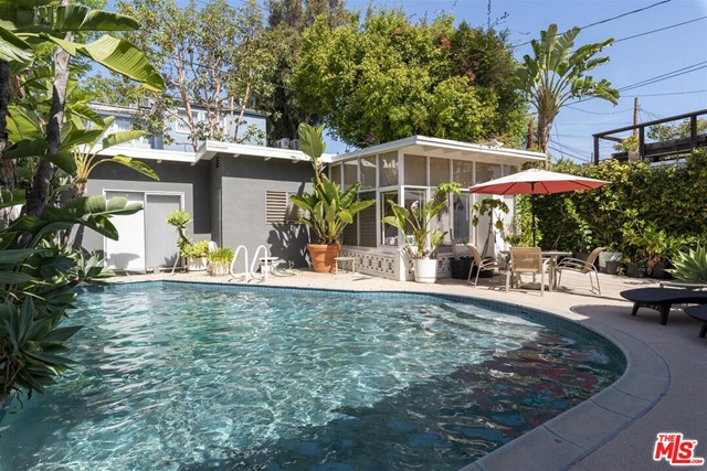 8939 Keith Avenue, West Hollywood CA: http://media.crmls.org/mediaz/4922C95D-3390-4BB5-9A66-9EC2B048054F.jpg
