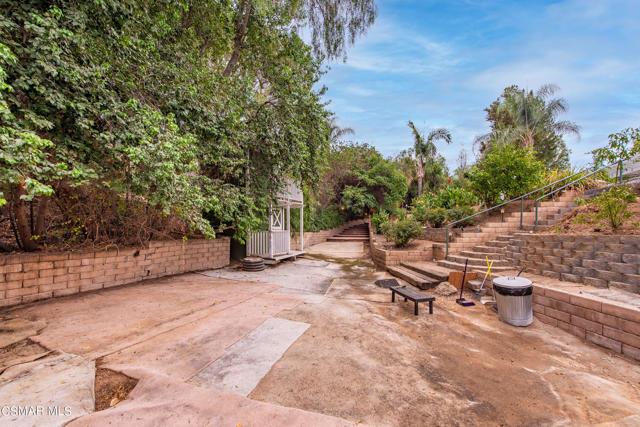 658 Bonwit Place, Simi Valley CA: http://media.crmls.org/mediaz/4931743D-8C01-4978-9059-3471089B8AAD.jpg