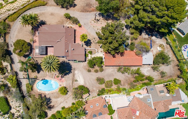 Photo of 16730 Chaplin Avenue, Encino, CA 91436