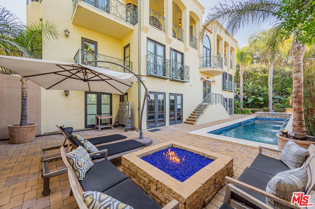 3110 Benedict Canyon Drive #  Beverly Hills CA 90210