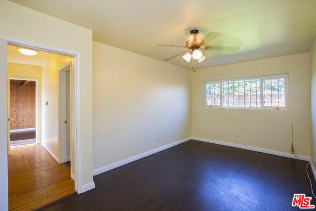 1417 W 127Th Street, Los Angeles CA: http://media.crmls.org/mediaz/49681795-6EEF-4A99-97F2-9E698F7EF752.jpg