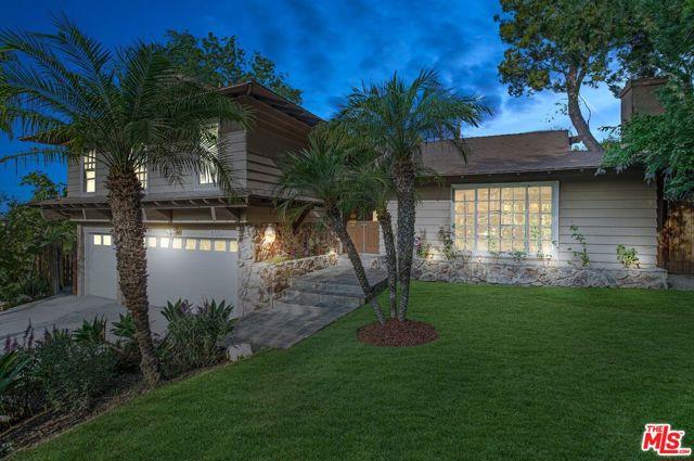 Photo of 6010 Fenwood Avenue, Woodland Hills, CA 91367