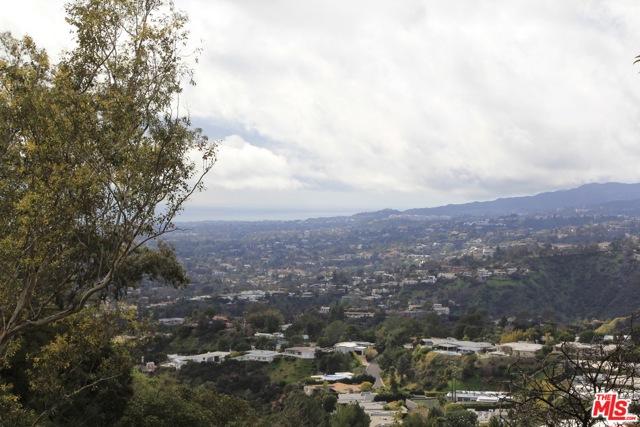 9229 Crescent Drive, Los Angeles CA: http://media.crmls.org/mediaz/49A5B9E2-D829-4AE9-9C32-520FEF42C849.jpg