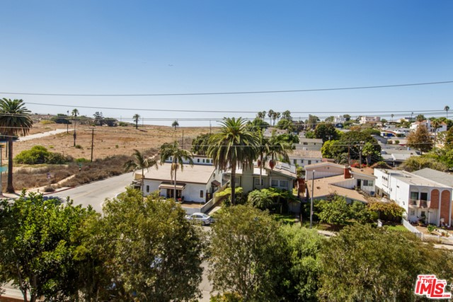 8828 PERSHING Drive 301 Playa del Rey, CA 90293 is listed for sale as MLS Listing 16177460