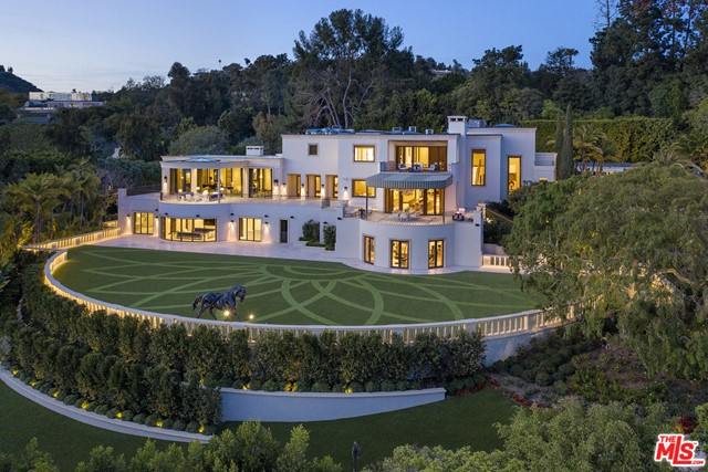 Photo of 1210 Benedict Canyon Drive, Beverly Hills, CA 90210