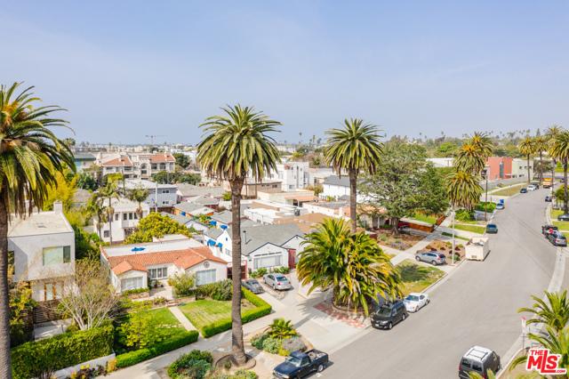 3875 Marcasel Ave, Los Angeles, CA 90066 photo 36