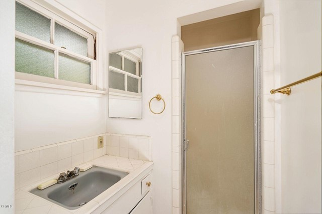 9524 Creemore Place, Tujunga CA: http://media.crmls.org/mediaz/4AEB23E8-1D93-4B07-8C00-4D2C39E08E65.jpg
