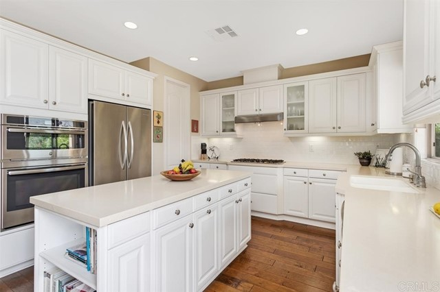 11331 Manorgate Drive, San Diego CA: http://media.crmls.org/mediaz/4B1DAB18-6A9B-4BE1-A6A3-5836153C4197.jpg