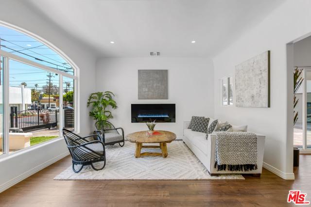 1011 Superba Ave, Venice, CA 90291