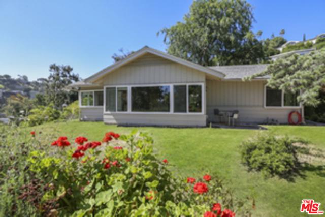 Photo of 4092 DEERVALE Drive, Sherman Oaks, CA 91403