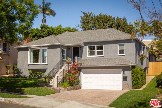 5044 Inadale Avenue, Los Angeles CA: http://media.crmls.org/mediaz/4B855049-67BE-4D70-9004-4D36B006FEA9.jpg
