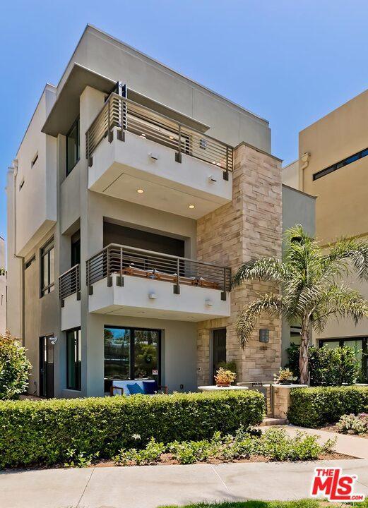 12817 N Seaglass Cir, Los Angeles, CA 90094
