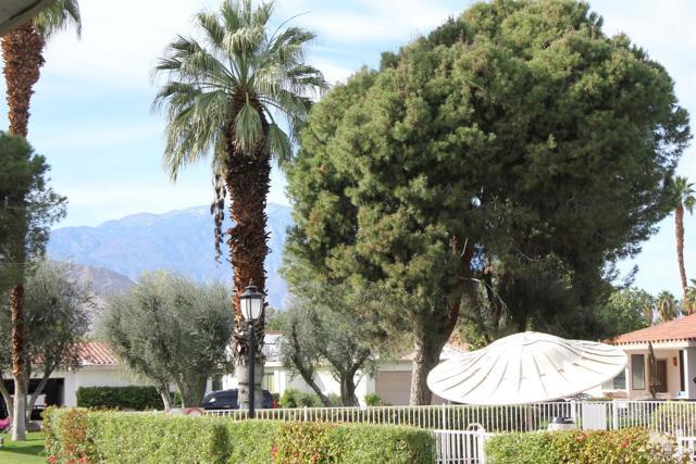 68 El Toro Drive, Rancho Mirage CA: http://media.crmls.org/mediaz/4BBAB12A-457B-421B-A47B-13C52A304B6D.jpg