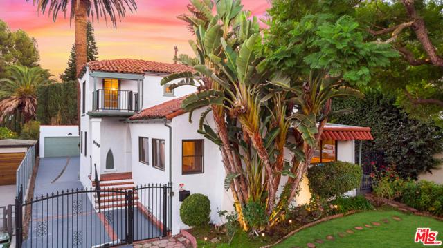 3384 Bennett Drive  Los Angeles CA 90068