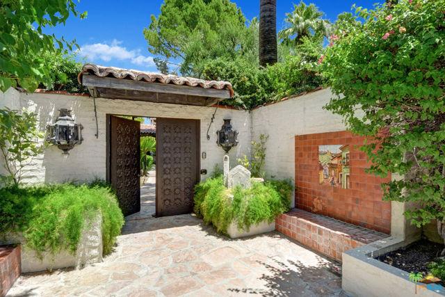 478 W Camino Sur, Palm Springs CA: http://media.crmls.org/mediaz/4C1DE49E-5115-42D4-88D4-4B40A299914C.jpg