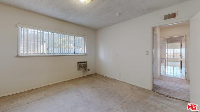 2254 Stradella Road, Los Angeles CA: http://media.crmls.org/mediaz/4CB78ABB-03AD-461B-886C-1A80F8FB1B5B.jpg