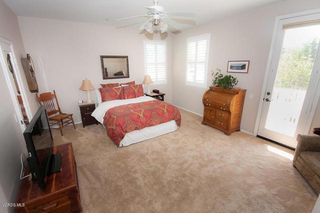 5570 Coltrane Street, Ventura CA: http://media.crmls.org/mediaz/4CD3F618-005C-423C-B438-ED07D19FEDBA.jpg