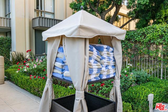 2160 CENTURY PARK EAST, Los Angeles CA: http://media.crmls.org/mediaz/4CE14FEF-7F4C-44F4-B928-836F5C6029D7.jpg