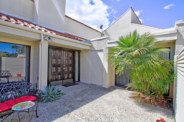 34800 Mission Hills Drive, Rancho Mirage CA: http://media.crmls.org/mediaz/4D11F462-F0C7-41C7-8C2E-F5DC92998F05.jpg