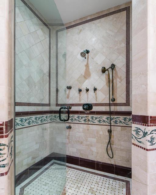 卧房个数: 6, 浴室个数 : 5.5