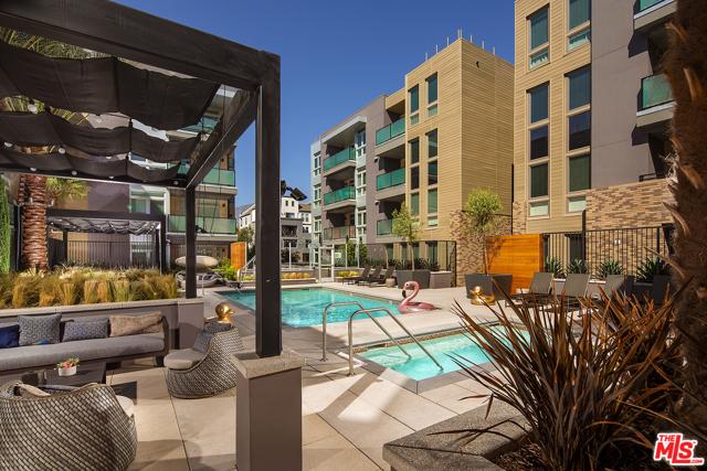 678 E WALNUT Street, Pasadena CA: http://media.crmls.org/mediaz/4DA1F699-7741-4749-833D-C41B4ECDB5BD.jpg
