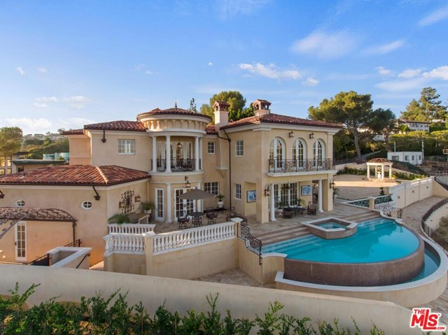 Photo of 1142 CALLE VISTA Drive, Beverly Hills, CA 90210