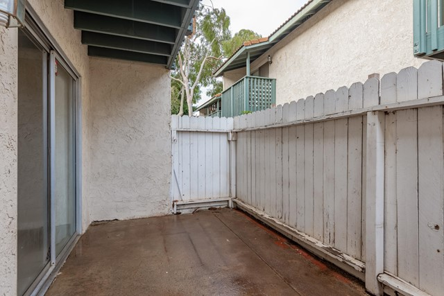 106 E Ventura Street, Santa Paula CA: http://media.crmls.org/mediaz/4DFE0BF8-F126-4DFE-854E-F57B36E0E279.jpg