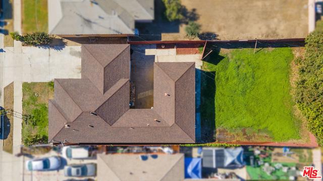1417 W 127Th Street, Los Angeles CA: http://media.crmls.org/mediaz/4DFF3F12-F29C-4224-B485-10B668DBE448.jpg