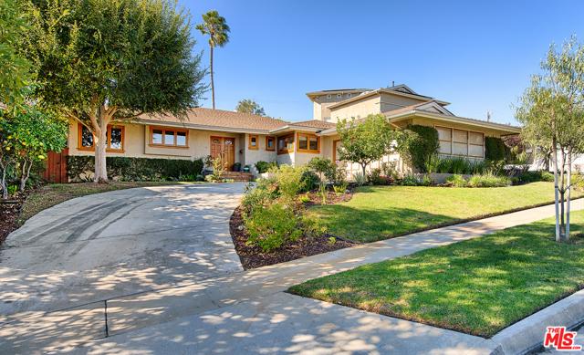 5421 S Corning Ave, Los Angeles, CA 90056