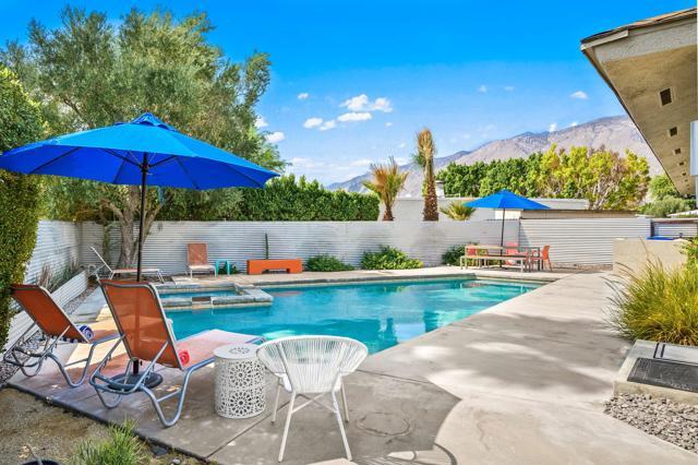2390 N Aurora Drive, Palm Springs CA: http://media.crmls.org/mediaz/4E9512B1-8543-48DD-8EC8-FCE5CD14DCA0.jpg