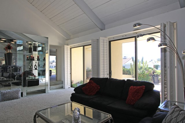 34800 Mission Hills Drive, Rancho Mirage CA: http://media.crmls.org/mediaz/4EC2B6A1-81D9-4B6B-83E7-10A68D5E6941.jpg