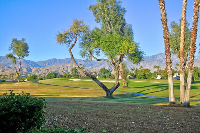 743 Inverness Drive, Rancho Mirage CA: http://media.crmls.org/mediaz/4ED663FA-9E64-4355-8CB7-5B061A018F60.jpg