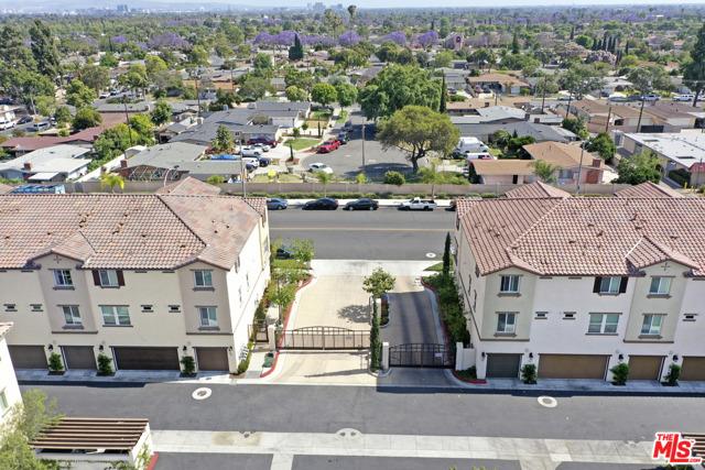 1530 W 1St Street, Santa Ana CA: http://media.crmls.org/mediaz/4F0B428D-F468-4327-8322-D10C0358DE50.jpg