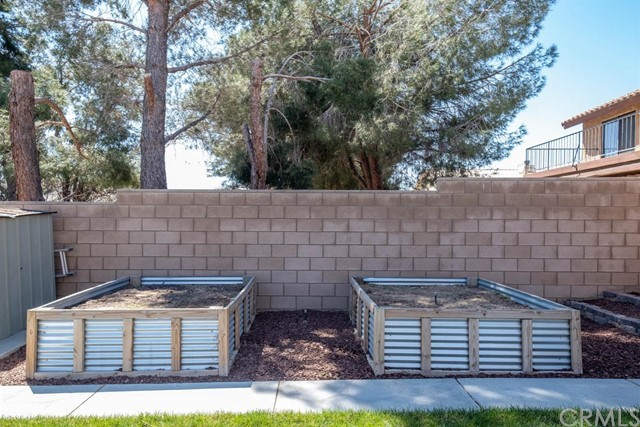 12659 Whispering Springs Road, Victorville CA: http://media.crmls.org/mediaz/4F5D7D35-196C-4AC0-A277-F2B3140122CE.jpg