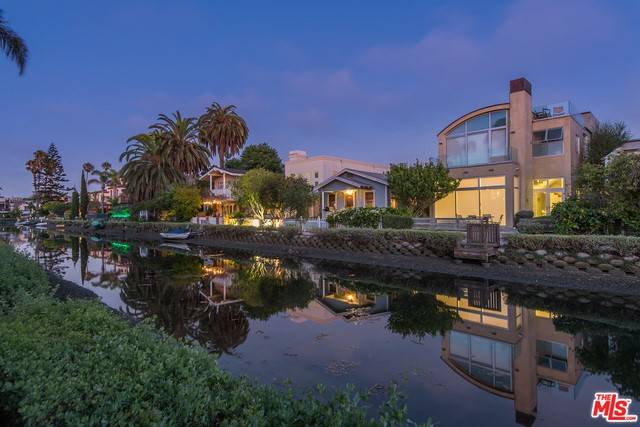 412 Howland Canal, Venice, CA 90291 photo 3