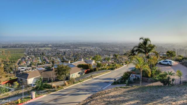 661 Via Cielito, Ventura CA: http://media.crmls.org/mediaz/4FB708B9-6DDB-4AA4-A1DF-1BFE3A91DAC0.jpg