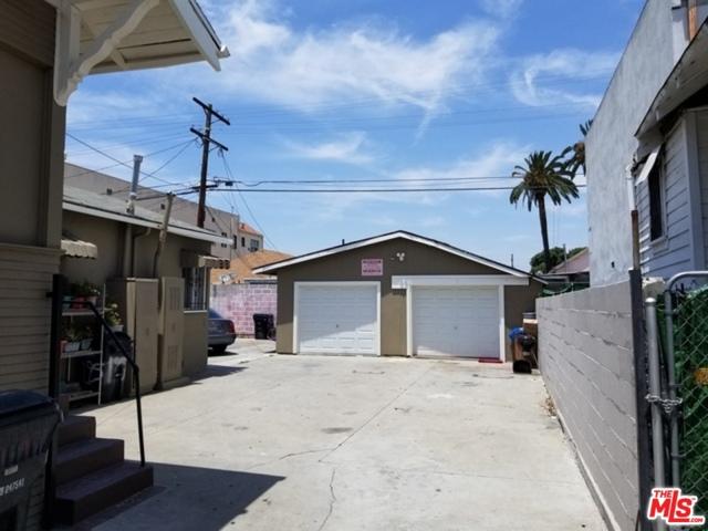 195 W Vernon Avenue, Los Angeles CA: http://media.crmls.org/mediaz/4FDD2791-EF22-4AE0-87D6-D8357F2EE0F0.jpg