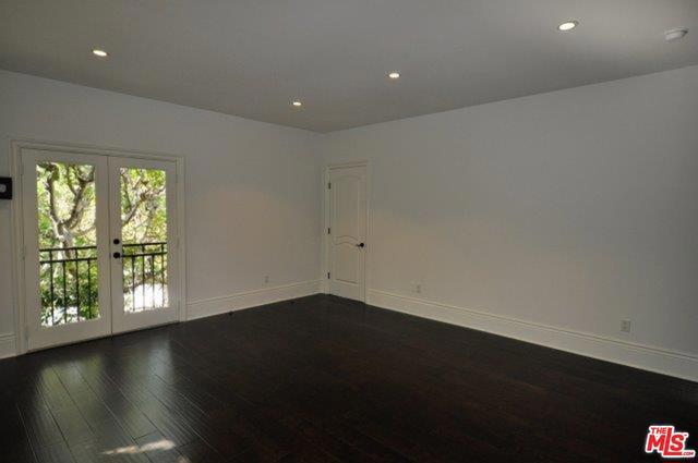 550 WARNER Avenue, Los Angeles CA: http://media.crmls.org/mediaz/4FE14BC2-42FC-488F-87A6-0F7353795FE4.jpg