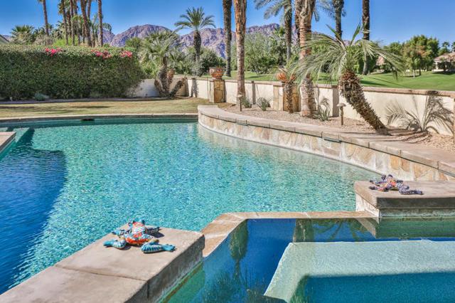 81410 Golf View Drive, La Quinta CA: http://media.crmls.org/mediaz/50162FF6-5B4F-4A1A-9D01-833FA9008774.jpg