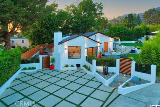 5043 Ramsdell Avenue, La Crescenta CA: http://media.crmls.org/mediaz/504E9F92-F781-4D53-8564-4FFF60C9D674.jpg