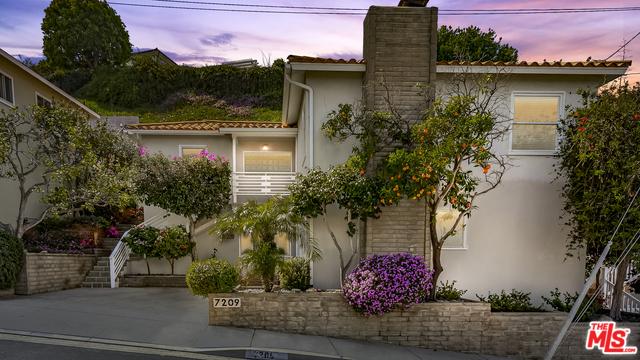 7209 EARLDOM Playa del Rey CA 90293