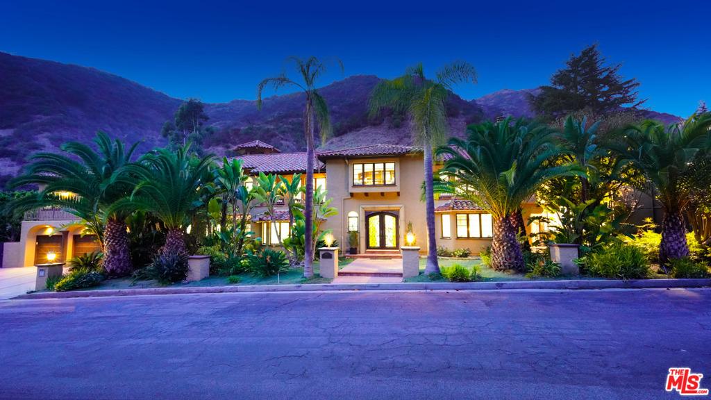 1345 Moraga Drive #  Los Angeles CA 90049