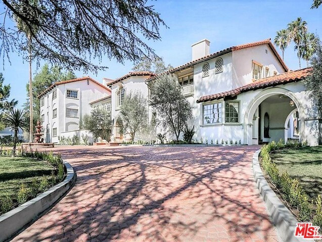Single Family Home for Rent at 904 Benedict Canyon Drive Beverly Hills, California 90210 United States