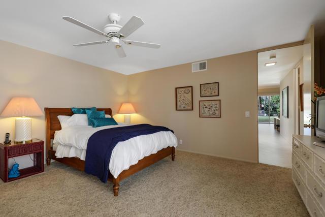 45805 Pueblo Road, Indian Wells CA: http://media.crmls.org/mediaz/514274F1-5764-4543-8213-D4B8525732E2.jpg