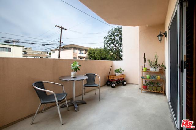 11870 Idaho Avenue, Los Angeles CA: http://media.crmls.org/mediaz/5156E4A7-B9D3-4ABC-80B5-4FAFD57DE4B6.jpg